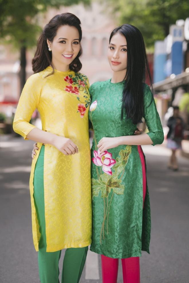Chi em Mai Thu Huyen, Mai Ho dien ao dai xuan xuong pho hinh anh 2
