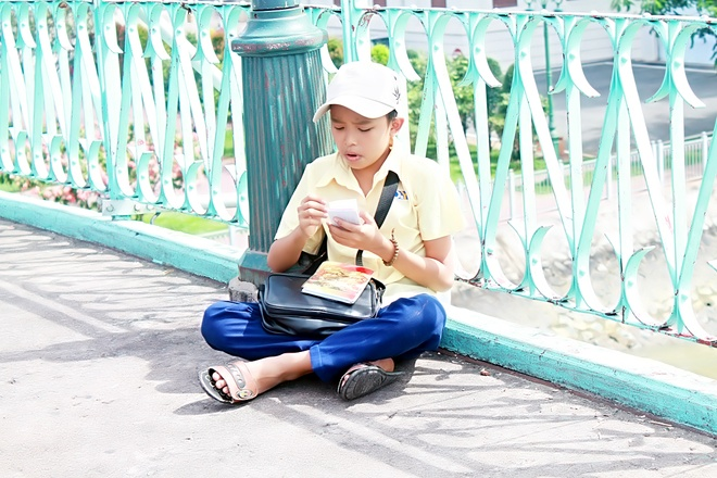 Ho Van Cuong khoc khi quay MV dau tay anh 3