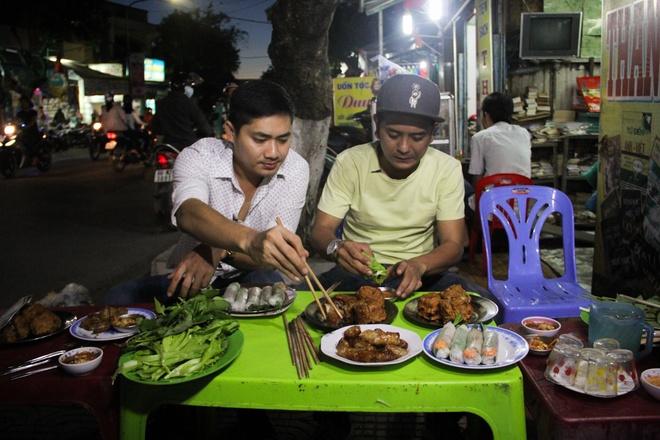 Minh Luan ru Hung Thuan ve que an Tet hinh anh 8