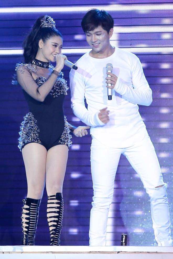 Huong Giang Idol thang ap dao Tim tai The Remix hinh anh 2