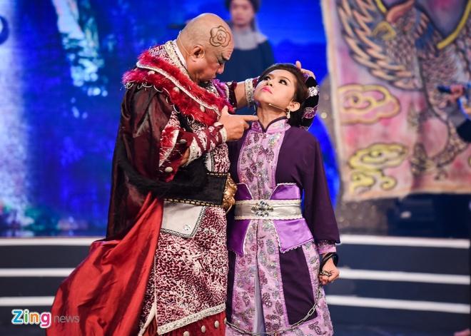 Ho Van Cuong lung tung khi nhan giai Mai Vang hinh anh 9