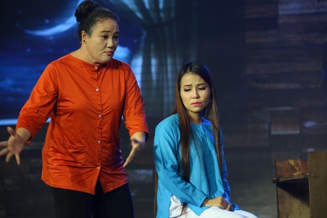 NSUT Phuong Hong Thuy bat khoc khi nho me nuoi Ut Bach Lan hinh anh 8