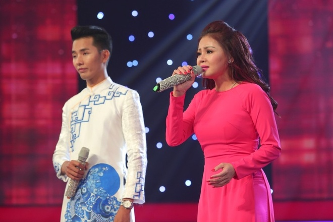 Hot girl 18 tuoi hat cai luong nhu doc rap hinh anh 2