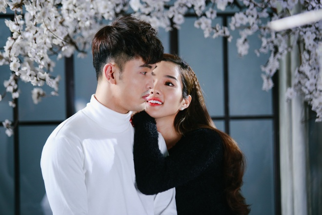 Ung Hoang Phuc au yem om,  hon Kim Cuong trong MV moi anh 1