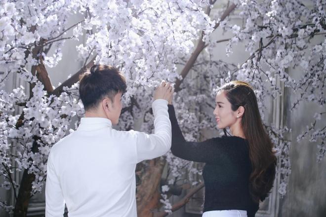 Ung Hoang Phuc au yem Kim Cuong trong MV moi hinh anh 2