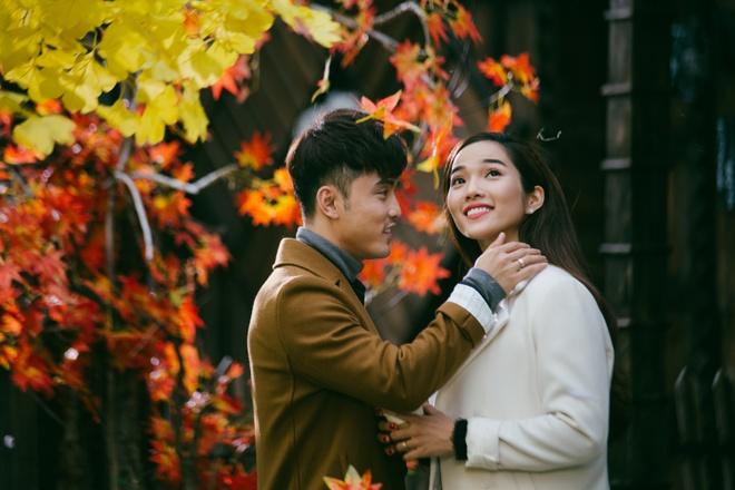 Ung Hoang Phuc au yem om,  hon Kim Cuong trong MV moi anh 3