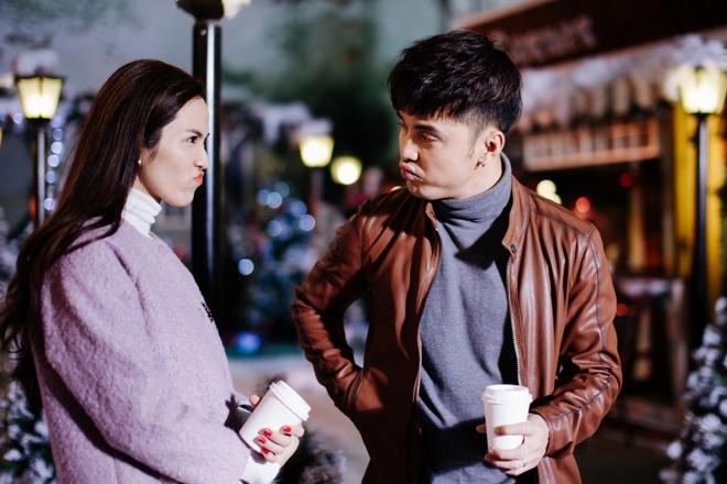 Ung Hoang Phuc au yem om,  hon Kim Cuong trong MV moi anh 6
