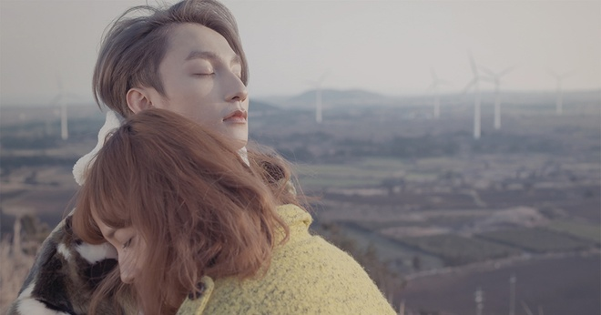 Son Tung M-TP om ap 'ban gai' trong MV Valentine hinh anh