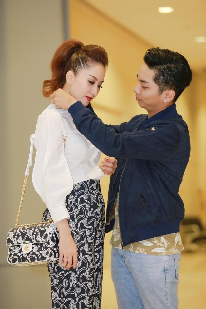 Khanh Thi cham soc Phan Hien anh 6