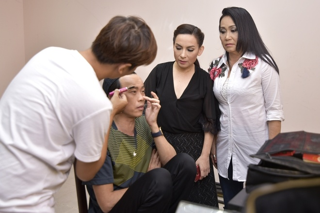 Hoai Linh binh dan di quay hinh game show hinh anh 3