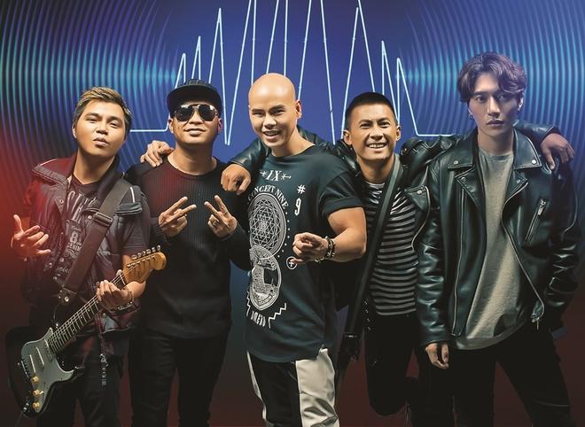 Ky niem 5 nam ngay cuoi, Phan Dinh Tung lam album tang vo hinh anh 2