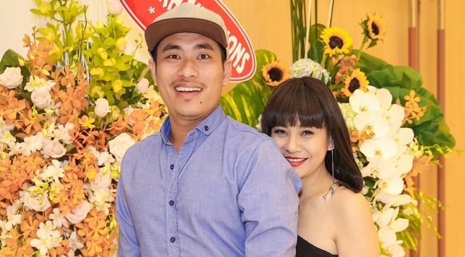 Cat Phuong va ban trai kem 8 tuoi du tiec cua Phan Dinh Tung hinh anh
