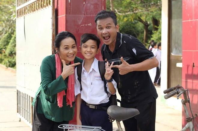 'Than dong cai luong' Quach Phu Thanh ra MV dam nuoc mat hinh anh 8