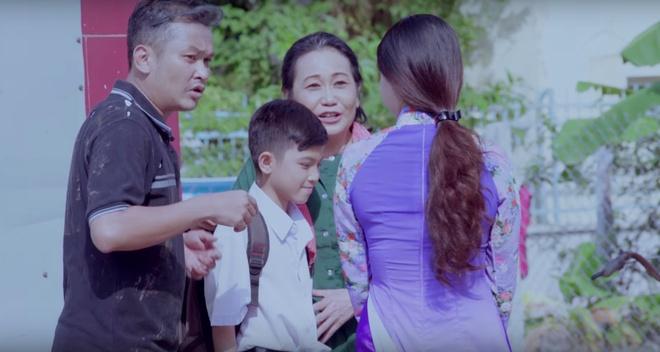 'Than dong cai luong' Quach Phu Thanh ra MV dam nuoc mat hinh anh 3