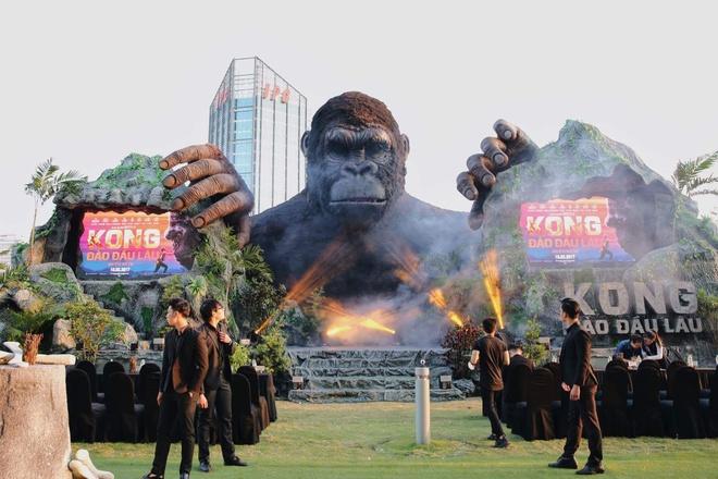 San khau ra mat 'Kong: Skull Island' o TP.HCM chay rui hinh anh 7