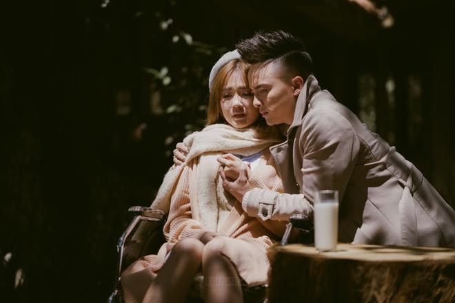 Cao Thai Son om ap hot girl trong MV moi hinh anh 7