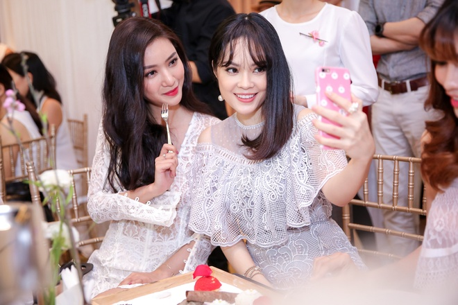 Dan my nhan showbiz Viet tao dang tai su kien hinh anh 3