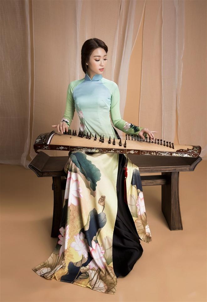 Hoa hau My Linh va 'tieu my nhan' Bao Ngoc quang ba don ca tai tu hinh anh 5