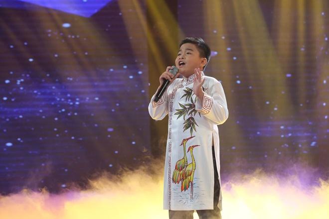 Be 9 tuoi duoc Quang Linh vi la 'ban sao nhi' Tung Duong hinh anh 1