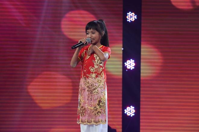 Be 9 tuoi duoc Quang Linh vi la 'ban sao nhi' Tung Duong hinh anh 11