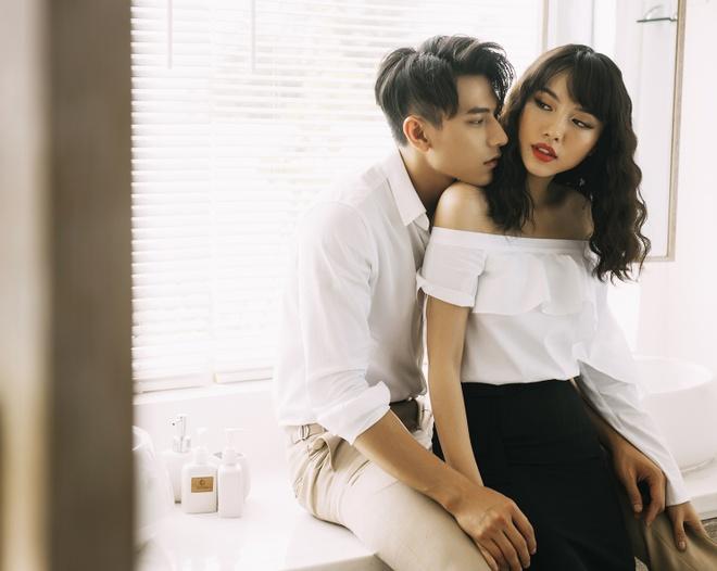 Isaac tinh cam voi 'ban sao Tang Thanh Ha' trong MV moi hinh anh 4