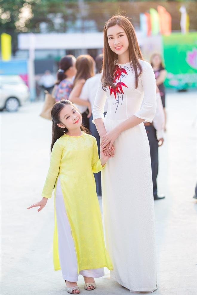 Hoa hau My Linh mac ao ba ba, tap trang banh uot hinh anh 6