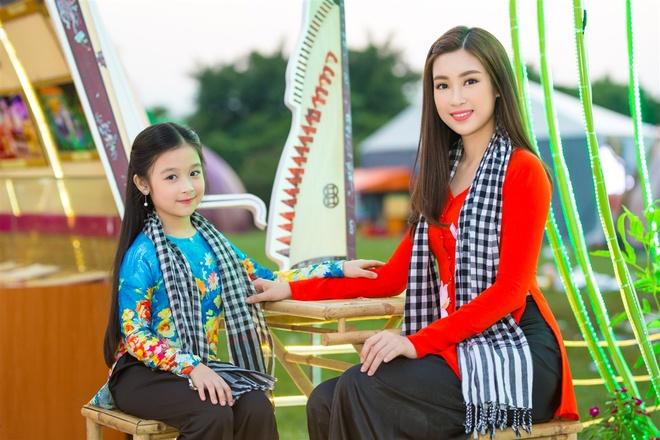 Hoa hau My Linh mac ao ba ba, tap trang banh uot hinh anh 1