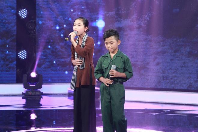 'Hien tuong dan ca' 7 tuoi Nghi Dinh lay nuoc mat cua Cam Ly hinh anh 8