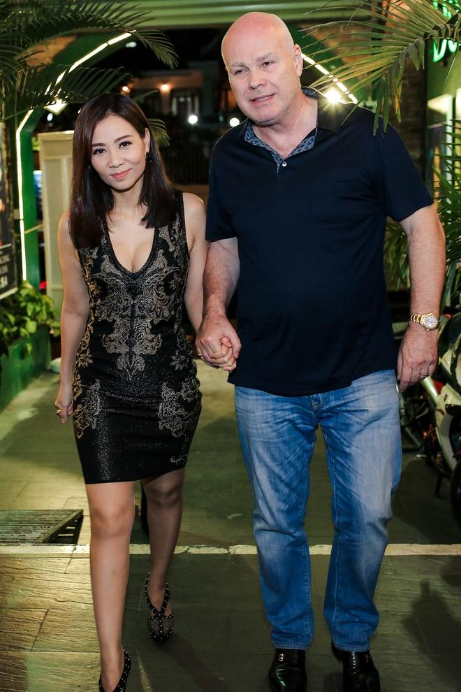 Chong Tay nam chat tay, dan Thu Minh di dien hinh anh 2
