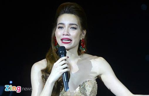 Vu Minh Hang to Ho Ngoc Ha: Tai sao nha san xuat The Face im lang? hinh anh