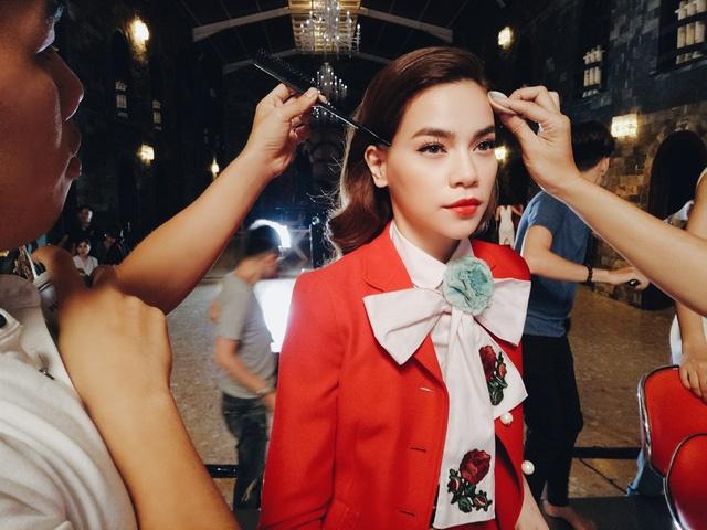 Minh Hang to Ho Ngoc Ha chen ep roi The Face anh 2