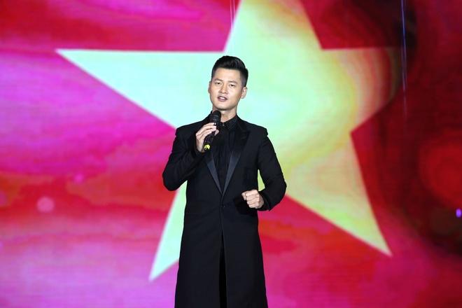My Tam, Dan Truong bieu dien truoc 20.000 khan gia hinh anh 5