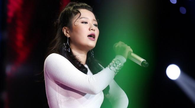 Hot girl 16 tuoi nguoi Han tiep tuc gay bung no san khau The Voice hinh anh 1