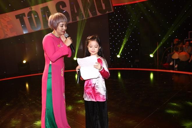 Le Giang kiet suc tren san khau game show vi qua cang thang hinh anh 4