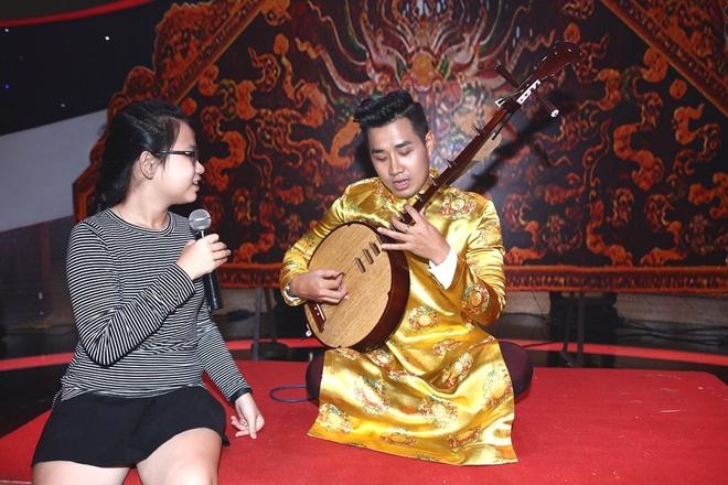 Le Giang kiet suc tren san khau game show vi qua cang thang hinh anh 3