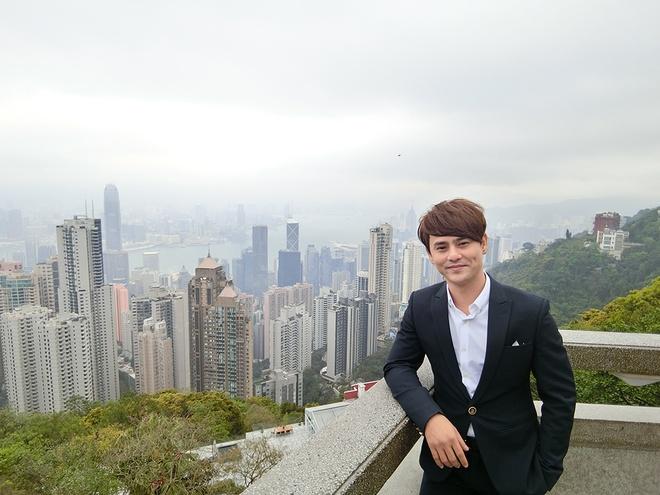 Ung Dai Ve doc het tien tui sang Hong Kong quay MV hinh anh 2