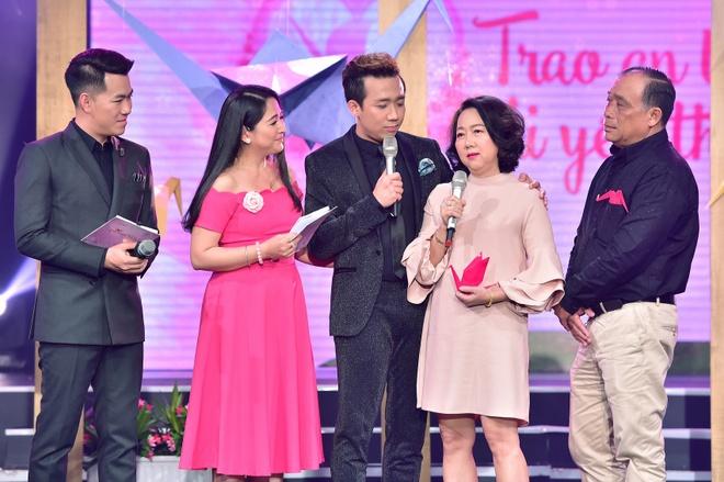 Ba me Tran Thanh xuc dong tam su ve on ao cua con hinh anh 3