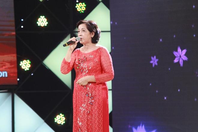 Tran Thanh, Cam Ly tang tien nguoi phu nu lai xe om hon 60 tuoi hinh anh 1