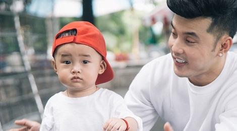 Ung Hoang Phuc dong MV cung con trai 1 tuoi hinh anh