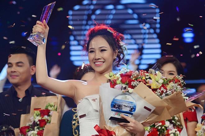 9X xinh dep dang quang Guong mat truyen hinh 2017 hinh anh 1