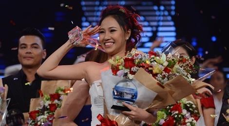 9X xinh dep dang quang Guong mat truyen hinh 2017 hinh anh