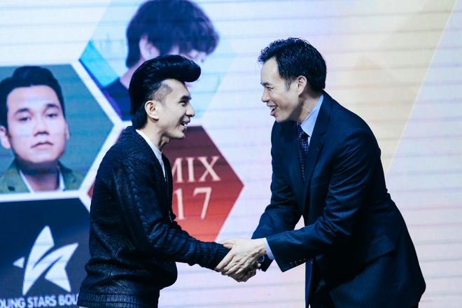 Dan Truong, Phi Nhung duoc YouTube vinh danh hinh anh 1