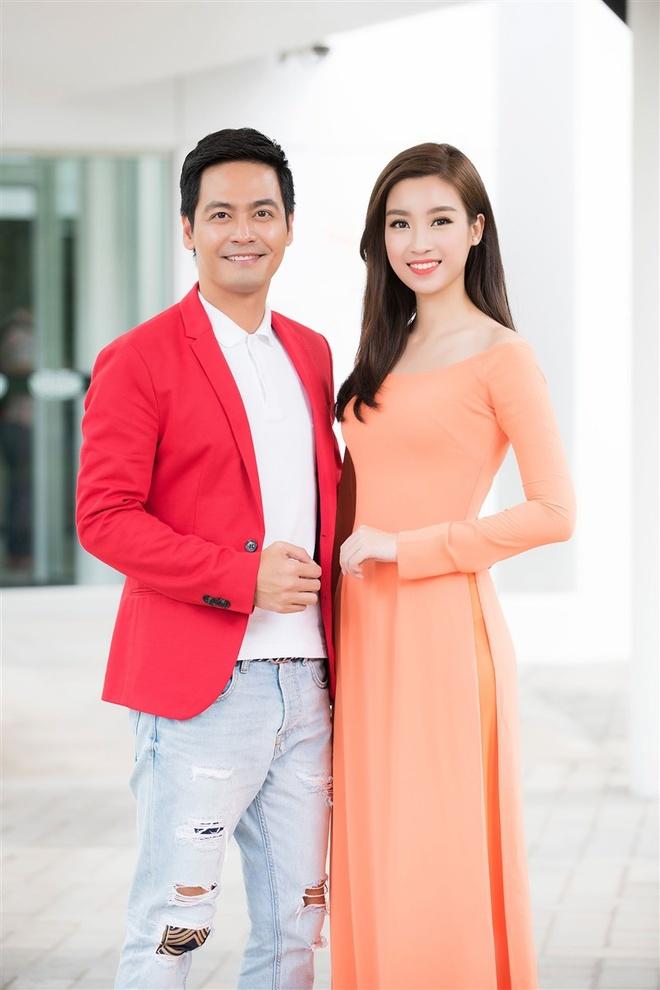 Hoa hau My Linh tang qua cho nan nhan chat doc da cam hinh anh 6