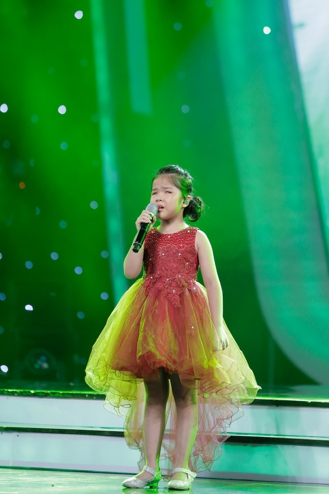 Co be khiem thi cua Vietnam Idol Kids khien Bich Phuong bat khoc hinh anh 1