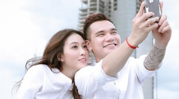 Vua cong khai yeu DJ 9X, Khac Viet tung MV ca ngoi su chung thuy hinh anh