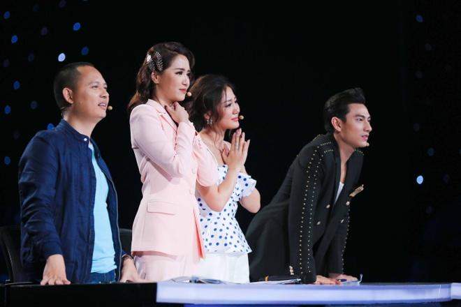 Van Mai Huong khoc nuc no khi chia tay co be khiem thi hinh anh 2