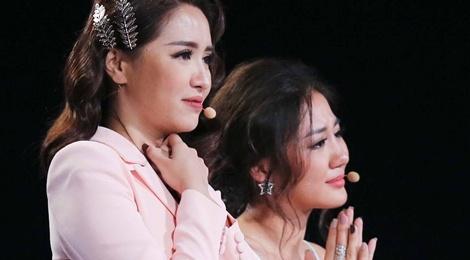 Van Mai Huong khoc nuc no khi chia tay co be khiem thi hinh anh