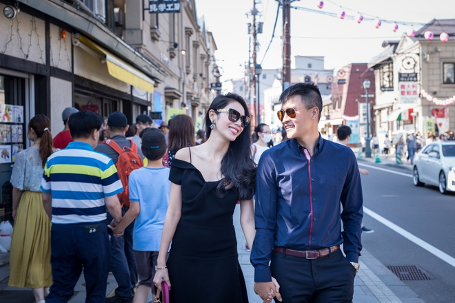 Thuy Tien, Cong Vinh tai hien le cuoi trong MV hinh anh 1