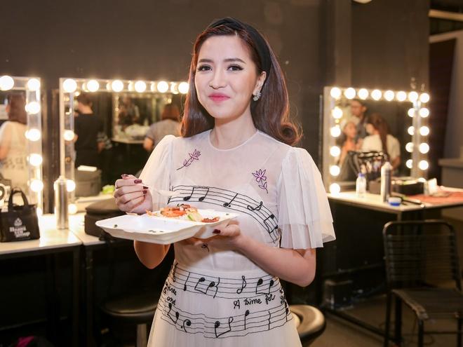 Sau on ao o The Face, Minh Hang ngoi ghe nong Vietnam Idol Kids hinh anh 7