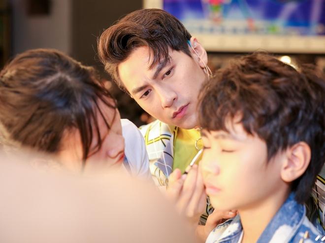 Sau on ao o The Face, Minh Hang ngoi ghe nong Vietnam Idol Kids hinh anh 6